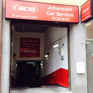 Verkstad biltvätt bilservice hjulskifte däckbyte på södermalm Stockholm